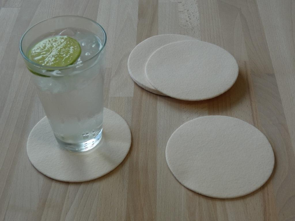 Placemats square 38x38 cm in a set of 4 with matching round glass coasters, powder