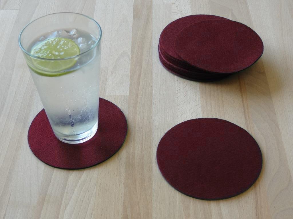 Nonwoven Coaster, set of 6, diameter = 11.2 cm, bordeaux