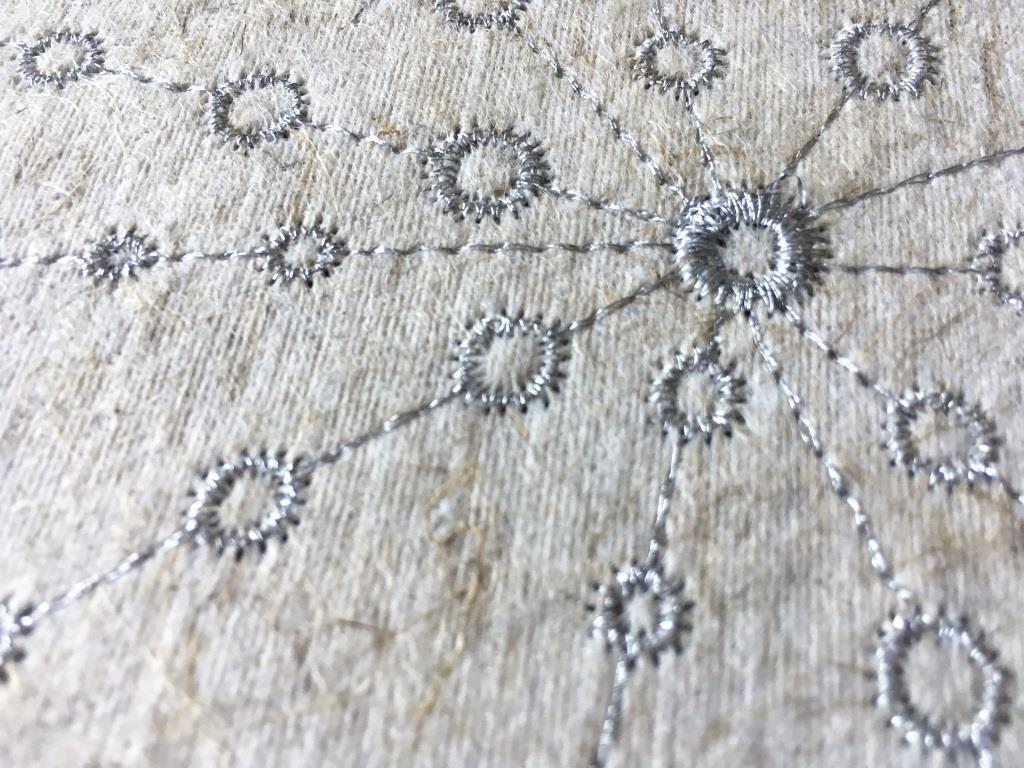 "Flax Wallpaper embroidered ""ray"", silver-grey"