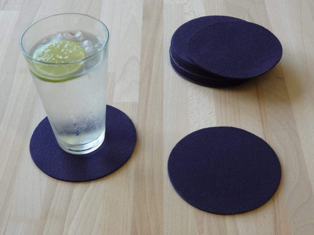 Nonwoven Coaster, set of 12, diameter = 11.2 cm, purple