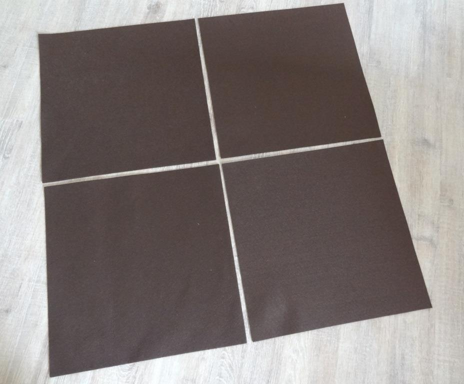 Placemats square 38x38 cm in a set of 4 without round glass coasters, mocca