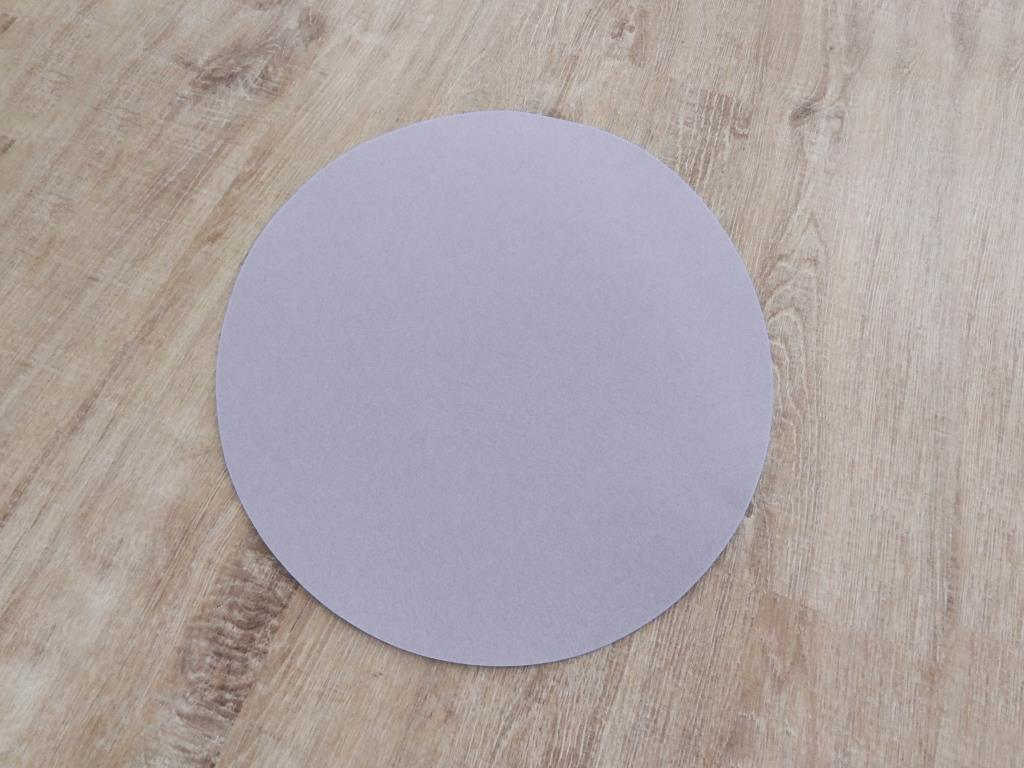 Placemats round in a set of 8 without round glass coasters, lilac