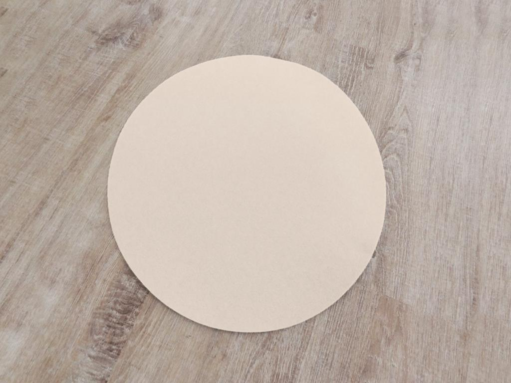 Placemats round in a set of 4 with matching round glass coasters, powder
