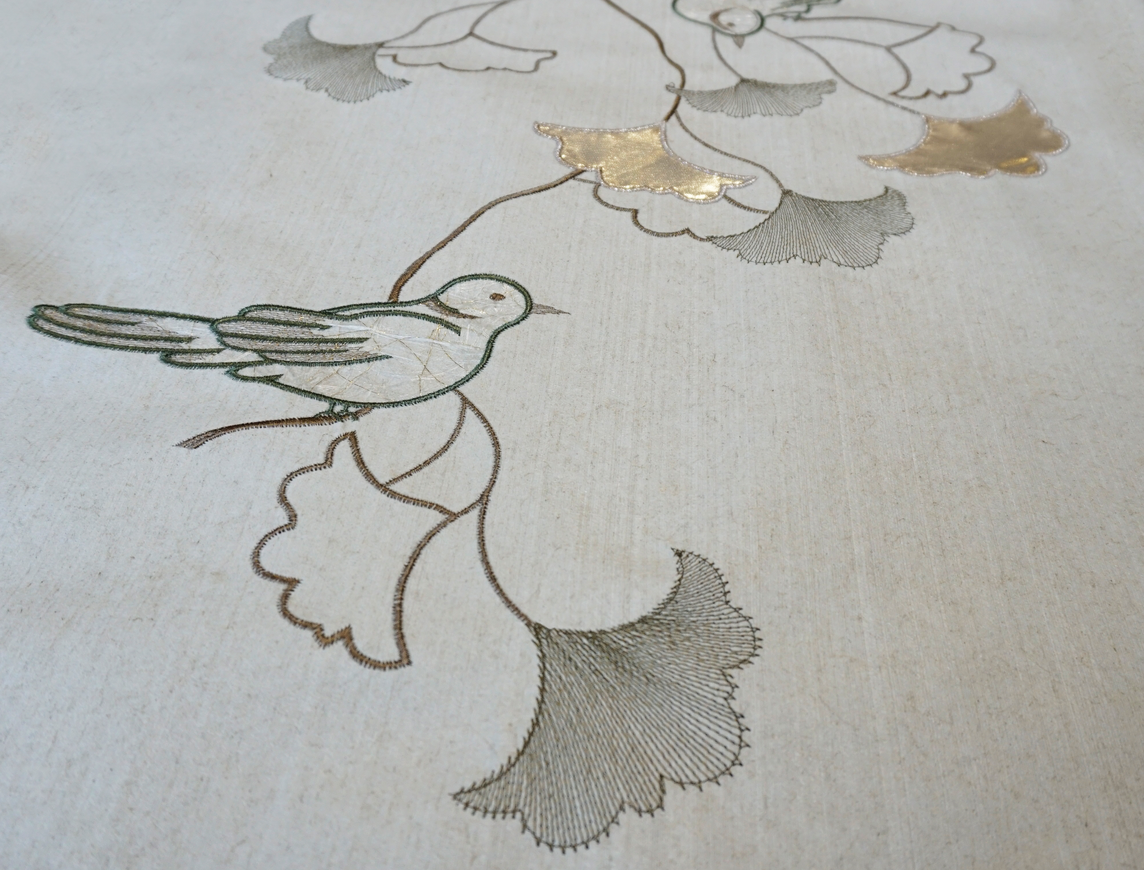 "Flax Wallpaper embroidered ""bird"" – available since 15.01.2020"